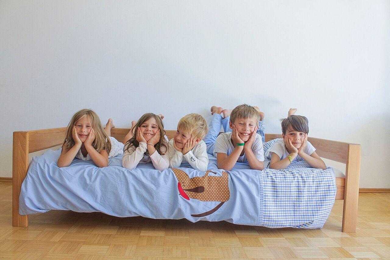 kinderzimmer bemalen zeichnen malen zubeh r. Black Bedroom Furniture Sets. Home Design Ideas